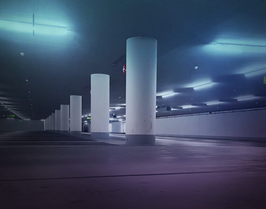 Diese Abbildung zeigt eine Tiefgarage mit Schulz Beleuchtung - Referenzen in Bestform
